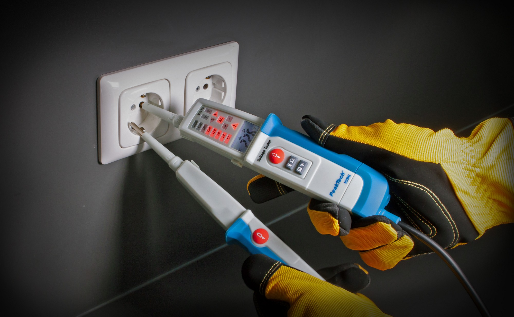«PeakTech® P 1096» AC/DC voltage tester with RCD-test & dual display